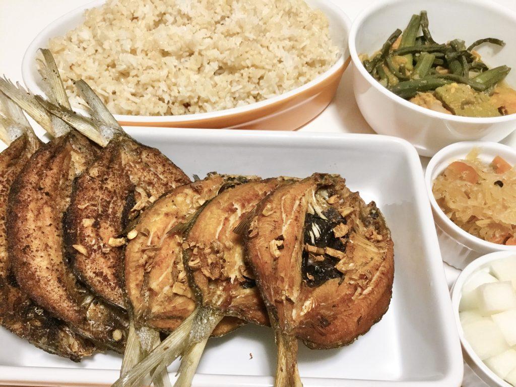 daing na bangus with rice